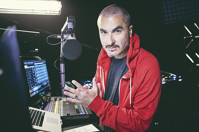 zane-lowe-beats1-apple-radio-2015-billboard-650